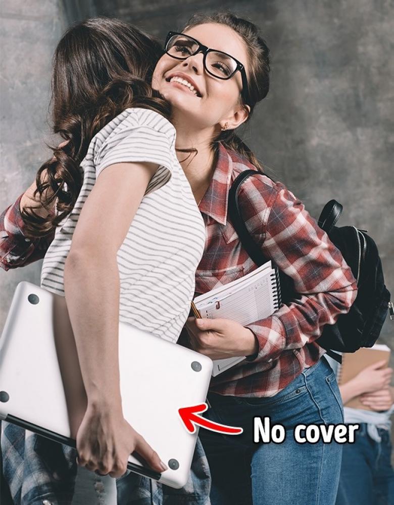 Koruma, çanta olmadan bir defter gibi onu asla elinizde taşımayın