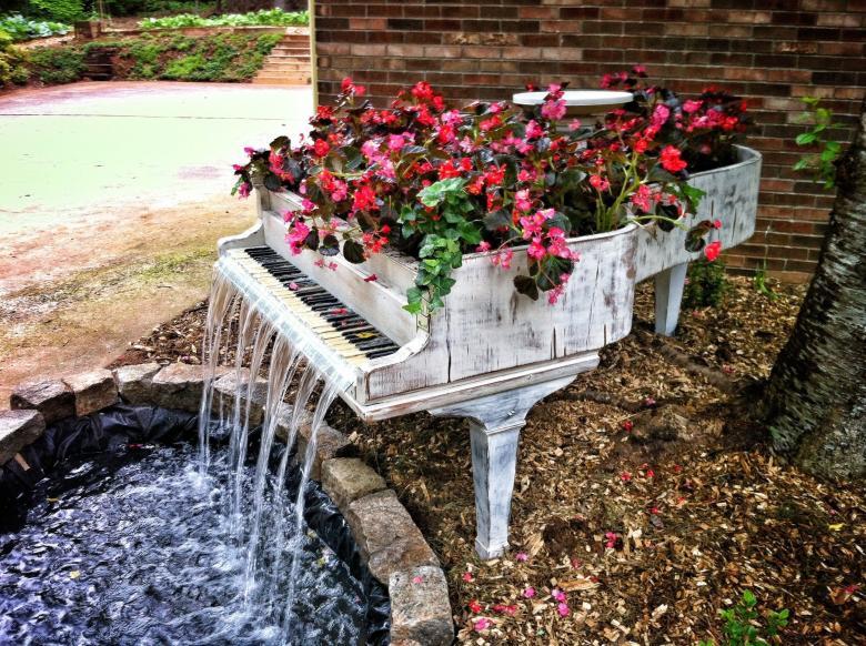 Piyanodan Su Çeşmesi