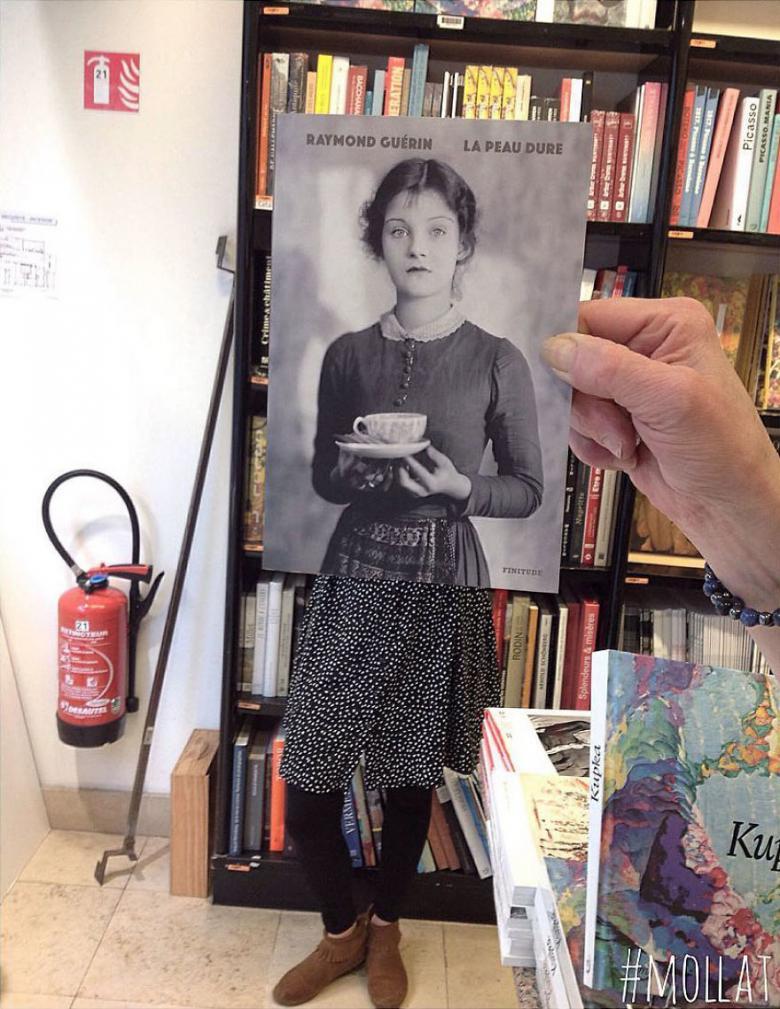Fransa'daki Bir Kitapçıda Çalışan Kişiler, Kitap Kapakları ile Müşterilerin Yüzlerini Eşleştiriyorlar