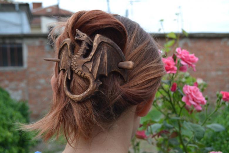 Ejderha görünümlü saç tokası