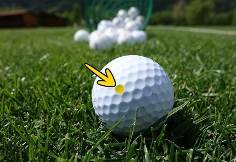 Golf topları üzerinde oyuklar