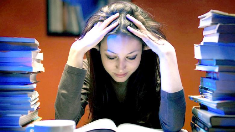 İmtihan Stresinden Çılgına Dönmüş Talebelerin İçinde Bulunduğu 8 Vaziyet