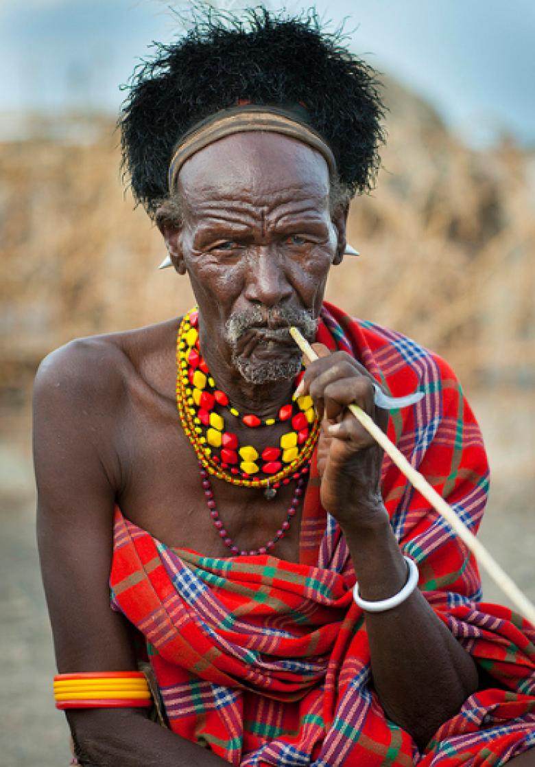 Kabile lideri yaşlı bir erkek