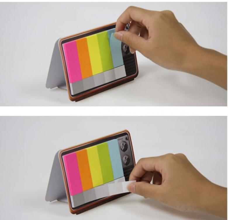 Görüntüsü bir televizyona benzeyen renkli sticker'lar