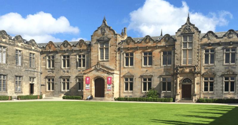 University of St Andrews Üniversitesi'nde Üniversite Eğitimi Almak Hakkında Herşey / Essay – Ödev – Tez – Makale – Çeviri – Niyet Mektubu Yaptırma