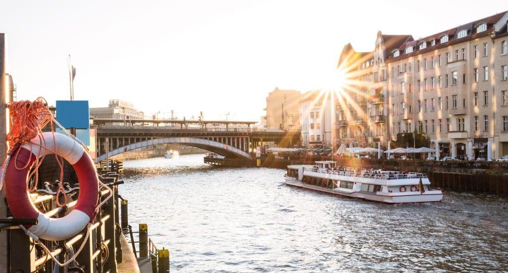 Neden Almanya Almanya'da Dil Okulları, Almanya'da Üniversiteler, Almanya İçin Öğrenci Vizesi - TestDAF Sınavı ve Almanya Hakkında Her Şey